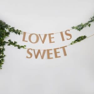 Love is sweet pahvinen viirinauha